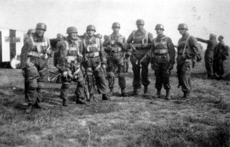 Parachutistes Allemands 800px-10