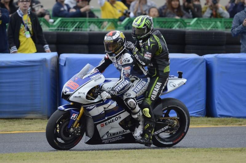MOTO GP 2012  - Page 19 25303410
