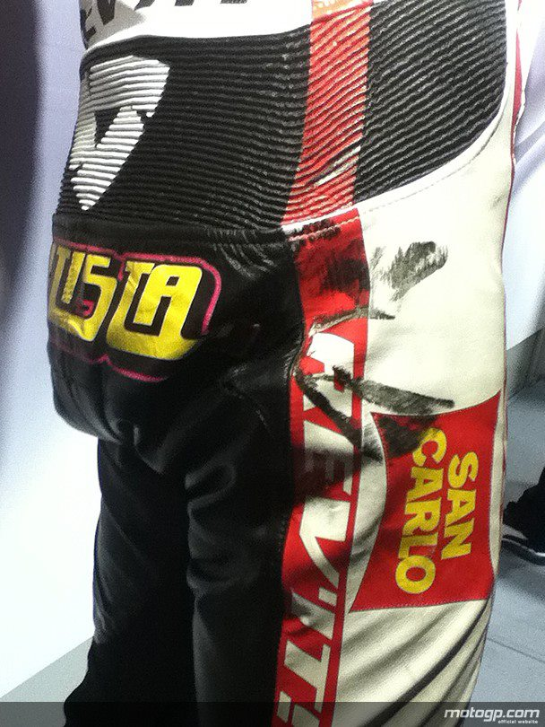 MOTO GP 2012  - Page 19 26656_10