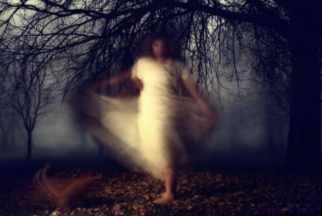 la légende du croisement de la femme morte Ghost-11