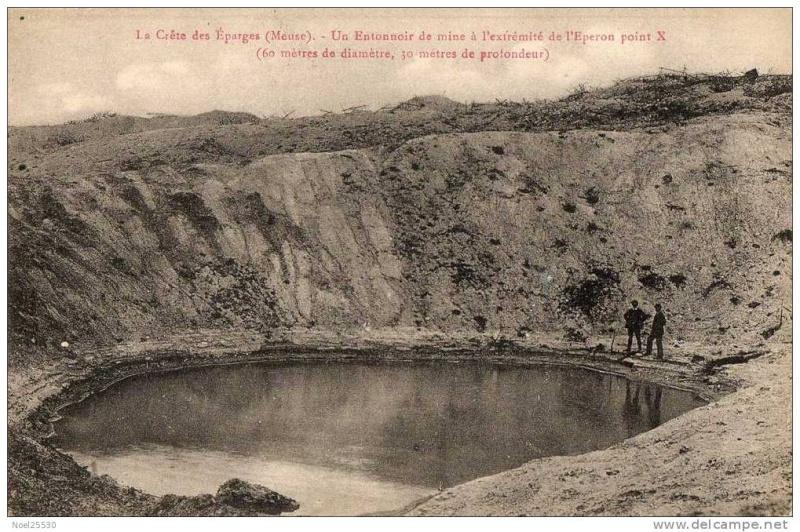 """Vestiges de la """"guerre des mines"""" (Première Guerre Mondiale) visibles dans Google Earth 241_0010"""