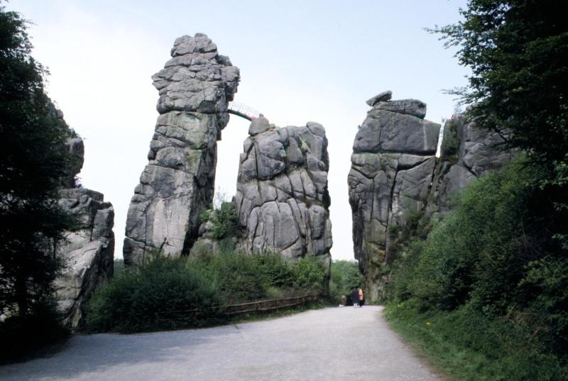 Les Externsteine, Rhénanie du Nord Westphalie - Allemagne 94020310