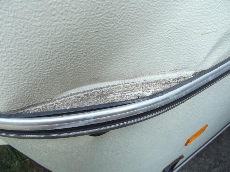 Réparer un gros gnon avec tôle déchirée, besoin de conseil ! Dscf1016