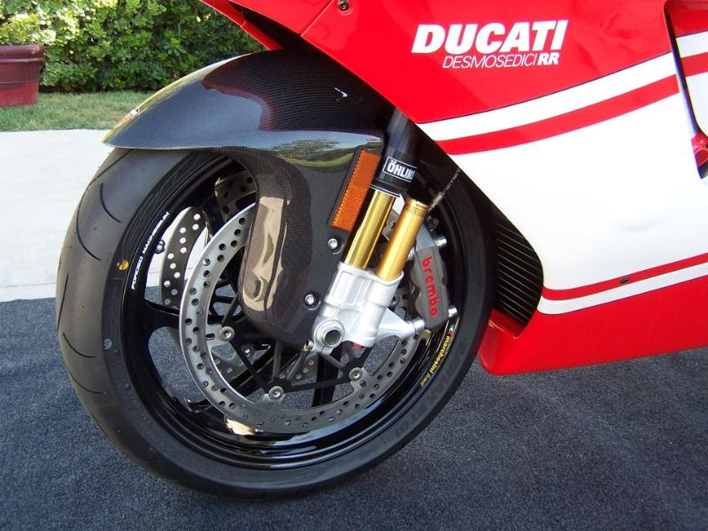 Ducati Desmosedici 01510