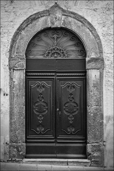 Une porte, nos portes, vos portes [fil ouvert] Porte-10