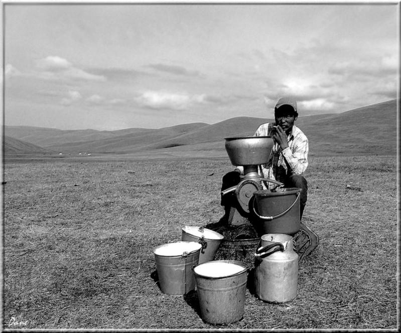 la Mongolie...Village désolé, les enfants , 1_mong25