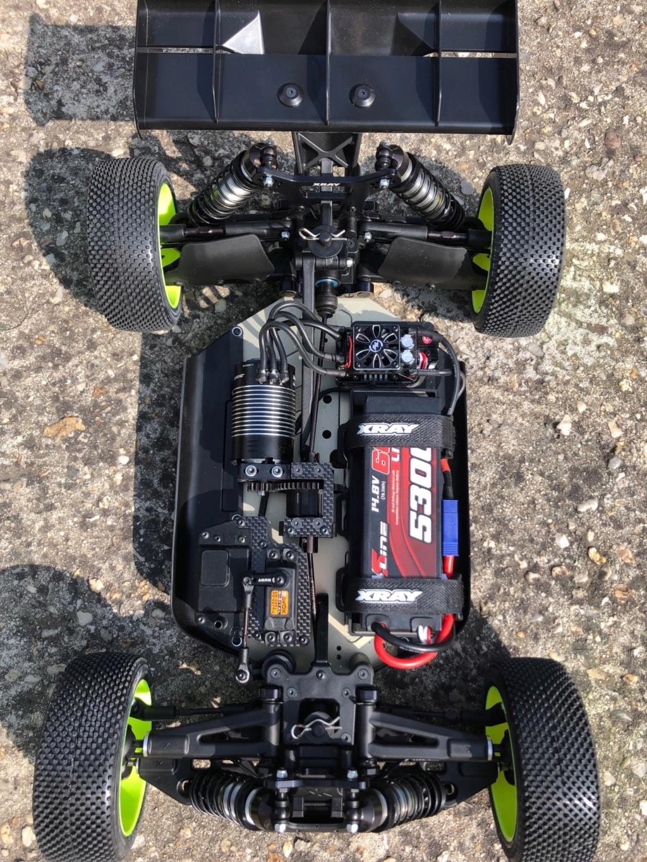 Mon nouveau buggy 1/8 4x4 XRAY XB8E Xb811