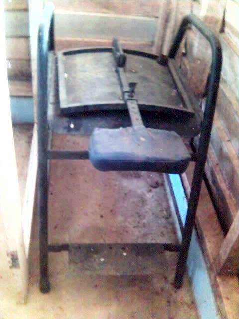 barang-barang antik kat klinik. 16-09-13