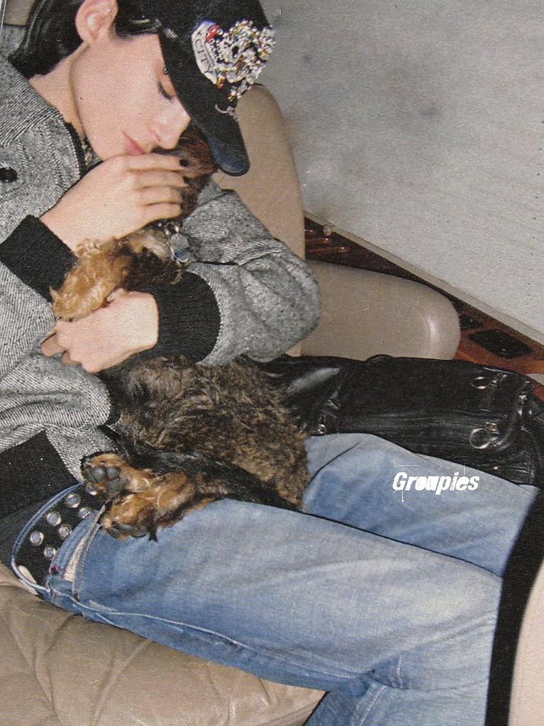 [#13 Photos de la semaine] Bill, Tom, Georg et Gustav en train de dormir 39035710