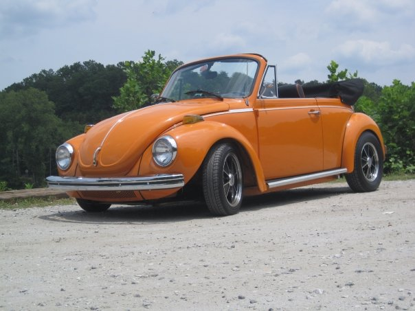 Looking for 60's or 70's and modern day convertible VW for rent on TV Commercial 5692_111