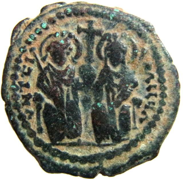 Byzantine coins - Page 15 Kgrhqv11