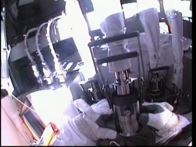 [ISS] Panne + réparation d'un des systèmes de refroidissement  - Page 5 Vlcsna31