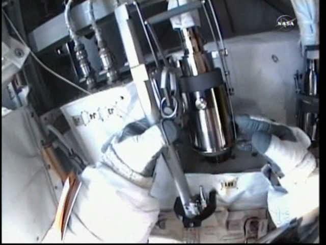 [ISS] Panne + réparation d'un des systèmes de refroidissement  - Page 5 Vlcsna32