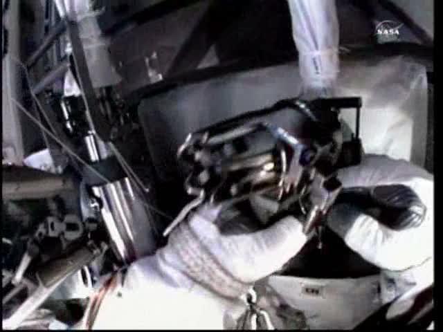[ISS] Panne + réparation d'un des systèmes de refroidissement  - Page 5 Vlcsna33