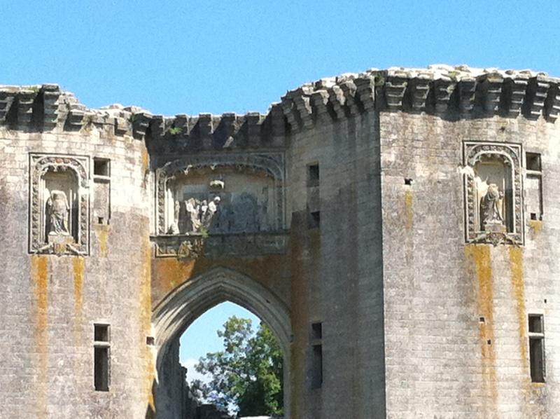 Visite de château,et mini rasso Img_0310