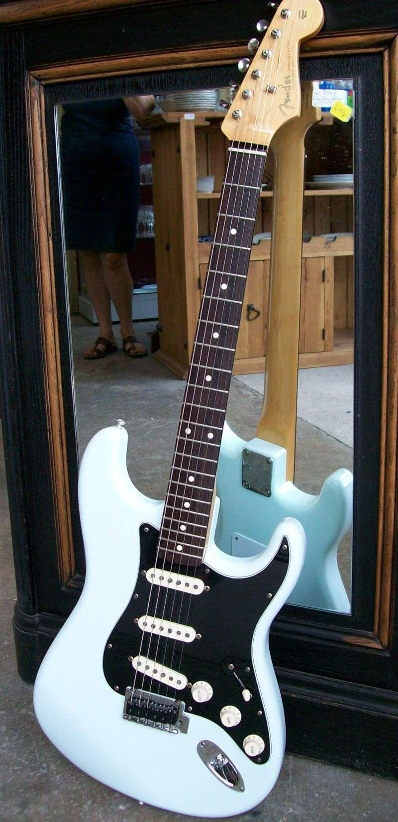 Photos de vos guitares. 102_0023