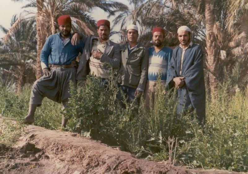 معرض لصور الإخوة الفقراء حفظهم الله ورحم الموتى منهم F3910