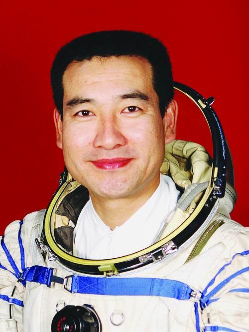 Shenzhou 7 (25 sept 08) - Page 4 610