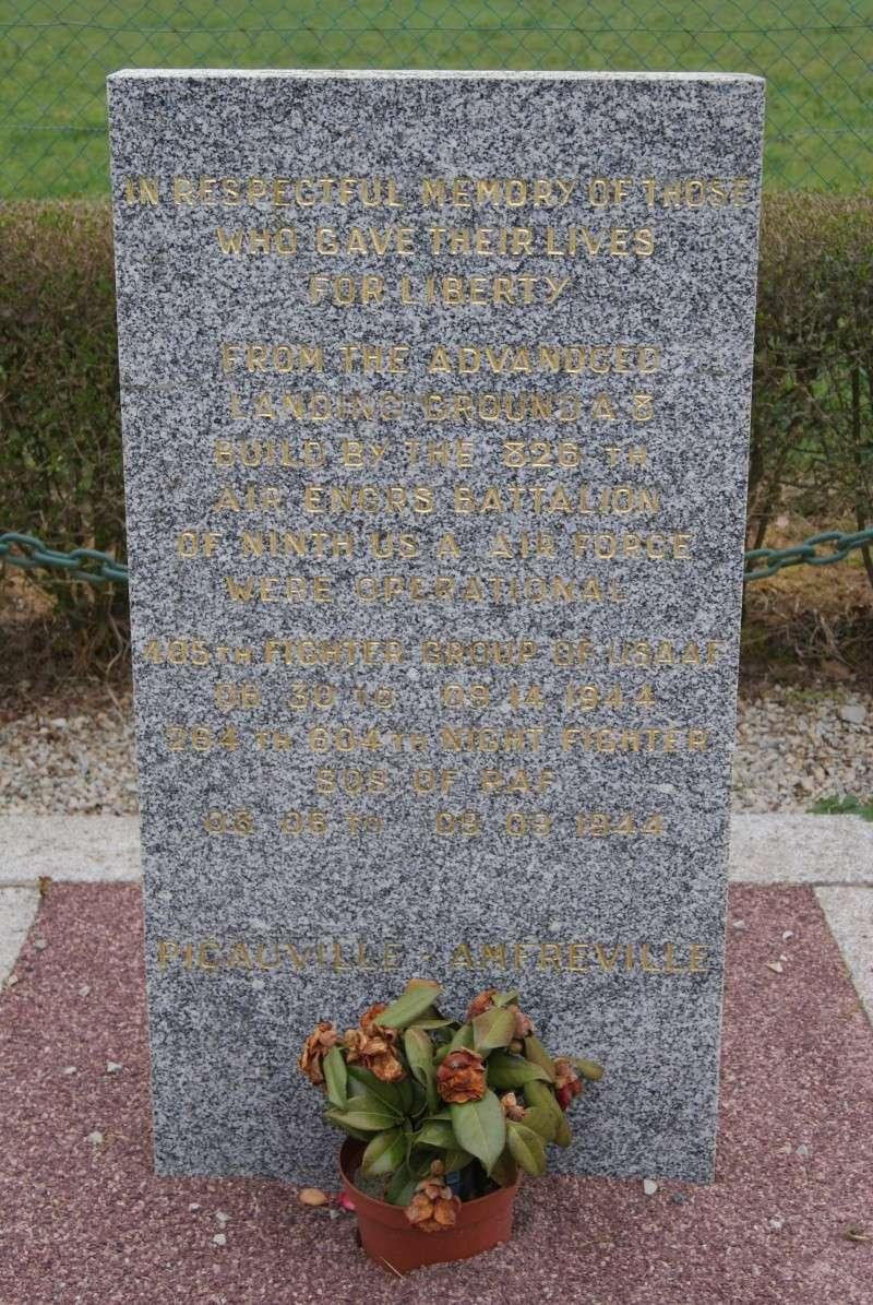 Monument WW2 - Picauville ( Normandie ) Dsc03511