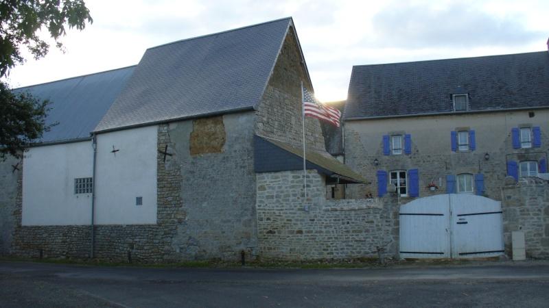 Monument WW2 - Amfreville ( France ) P1080710