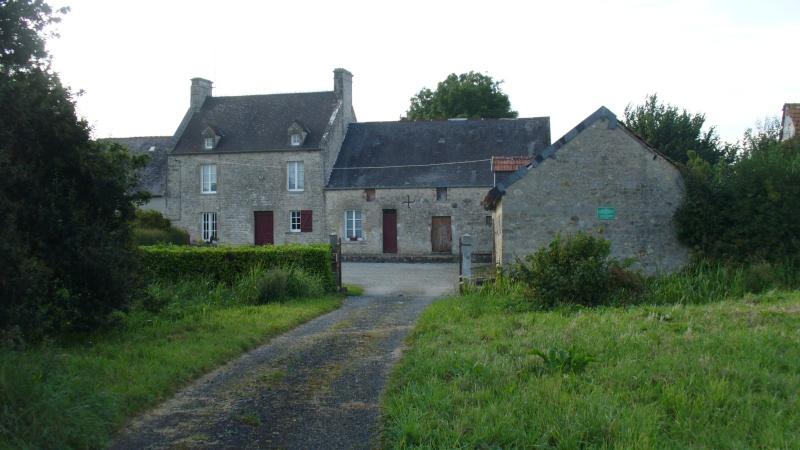 Monument WW2 - Amfreville ( France ) P1080711