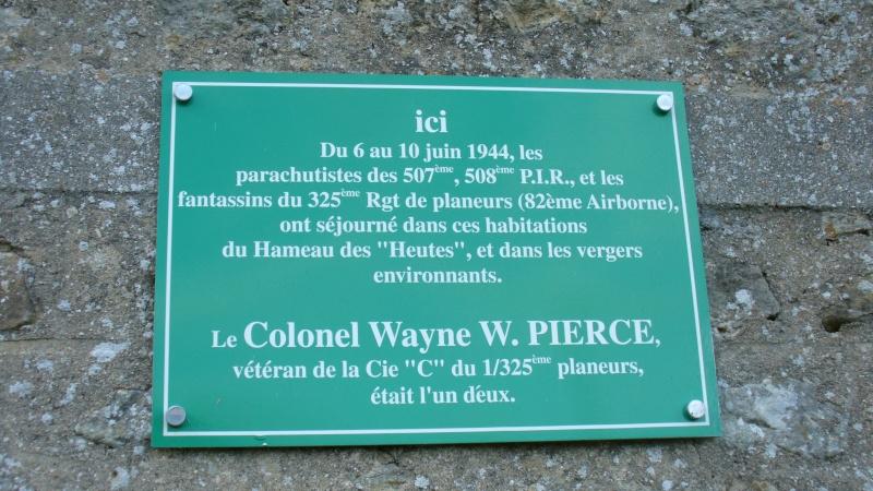 Monument WW2 - Amfreville ( France ) P1080712