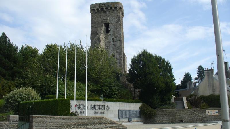 Monument WW2 - La Haye-du-Puits ( Manche - Normandie )  P1080912