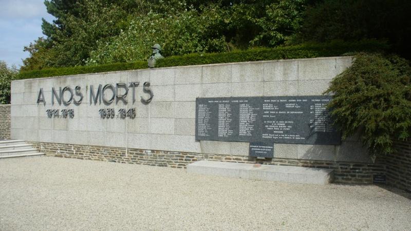 Monument WW2 - La Haye-du-Puits ( Manche - Normandie )  P1080914