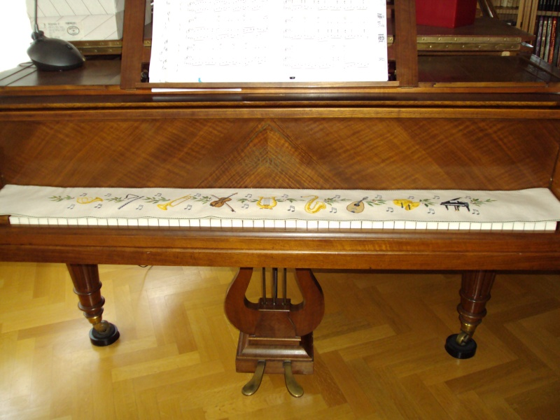 Couvre clavier du piano Eva_ro10