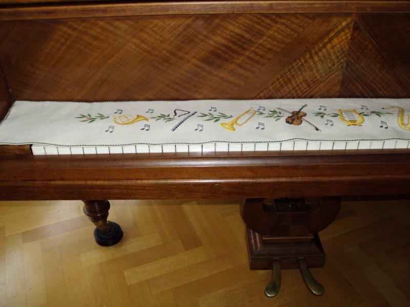 Couvre clavier du piano Eva_ro12