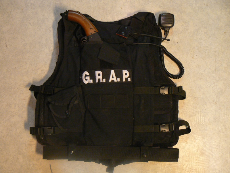 LES GILETS 2ème GRAP / NOIR  P1030912