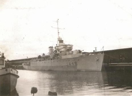 Divers : Algerine class minesweeper + PLAN et monument Last_m10