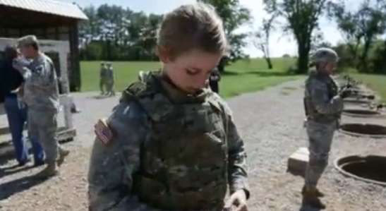 Army tests body armor made for female soldiers Female10