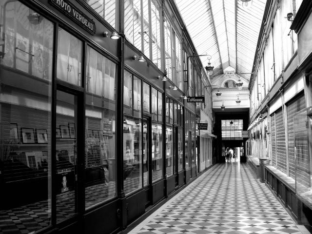 Paris en couleurs , Paris en noir et blanc ! - Page 2 Sdc11410