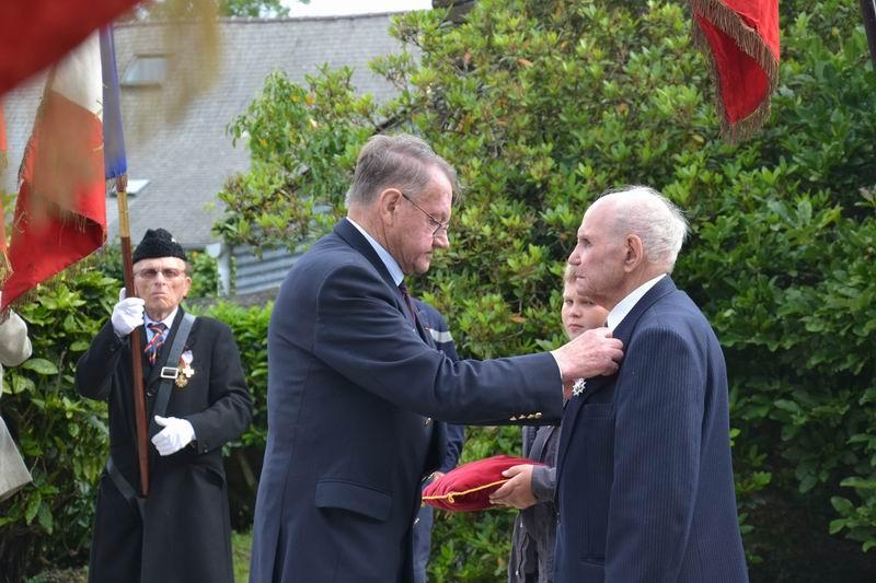 Cérémonie du 16 août 2012 - Remise de la Croix de la Légion d'Honneur à Alexis Creac'hminec Brascr11