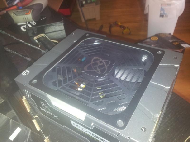 Projet pour Typhoon ///// Lian-li PC-X2000 WW Black  2013-060