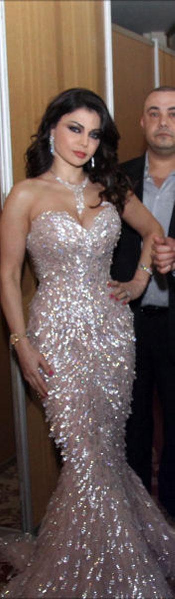 بالصور.. هيفاء وهبى تلهب حماس جمهورها فى حفل رأس السنة 91189711