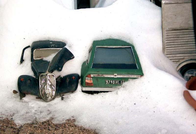 Appel à la nostalgie des épaves automobiles Citroe10
