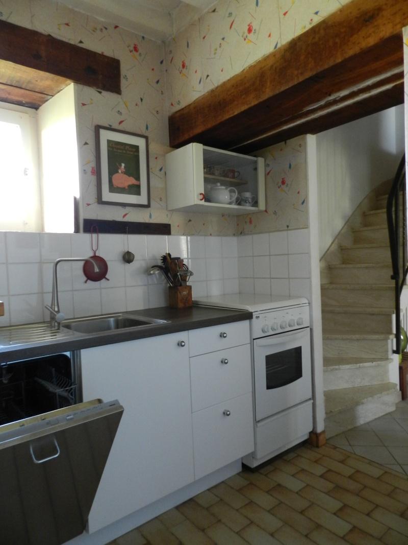 une cuisine étroite dans le gîte Gite_610