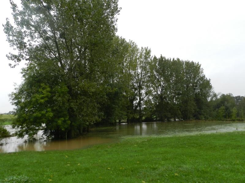 Octobre 2012, la rivière sort franchement de son lit Vauvar26