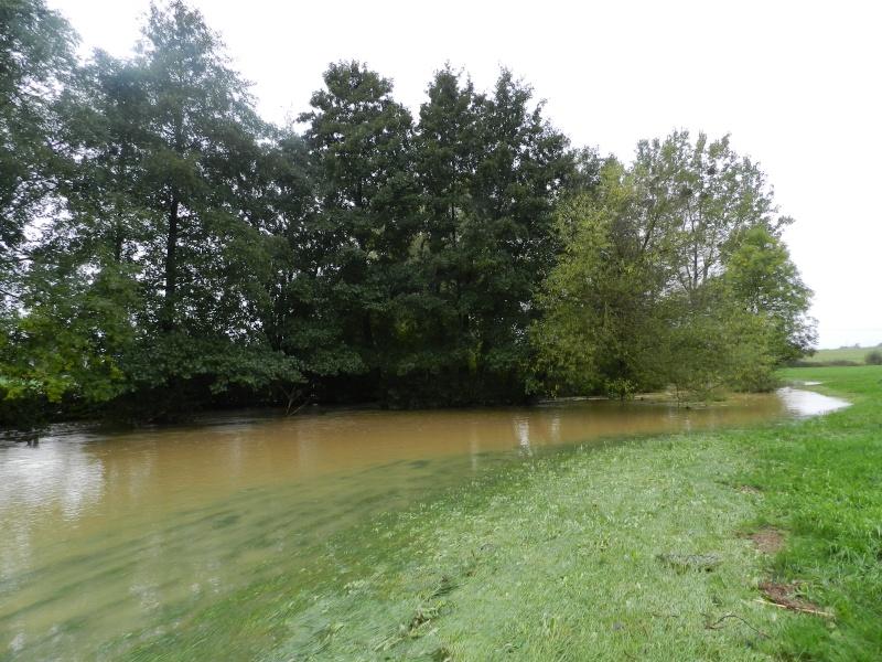Octobre 2012, la rivière sort franchement de son lit Vauvar28
