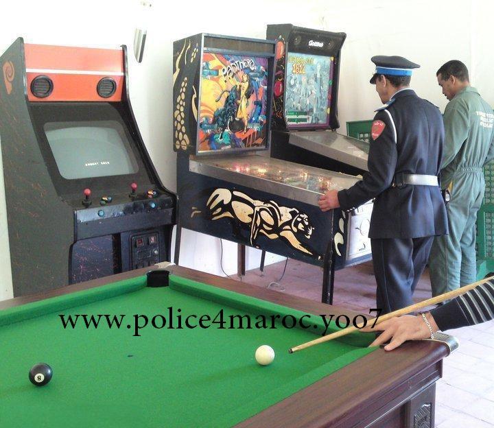 الشرطة أيضا تحتفل بالسنة الجديدة.. صور 16283910