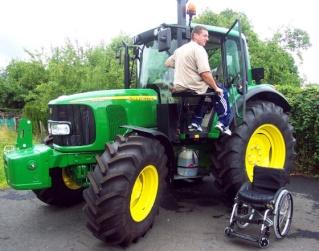 LES AGRICULTEURS ET LEURS EXPLOITATIONS