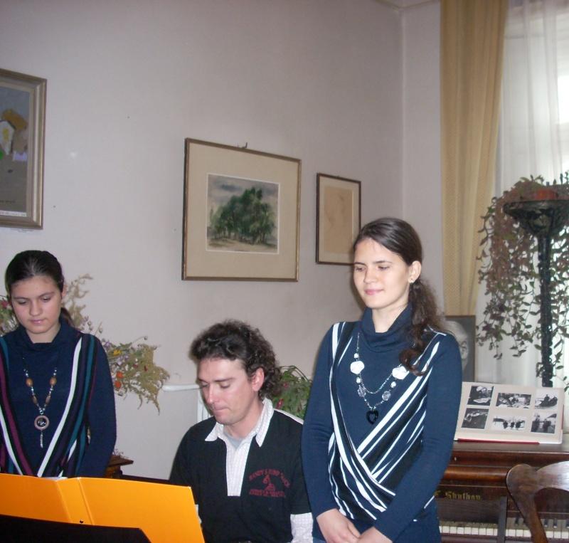 22 Ianuarie 2011-Sedinta a IX a A Cenaclului U.P.-Prin Iasi cu Veronica si Eminescu- Cenacl23