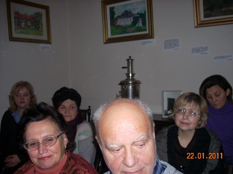 22 Ianuarie 2011-Sedinta a IX a A Cenaclului U.P.-Prin Iasi cu Veronica si Eminescu- Cenacl30