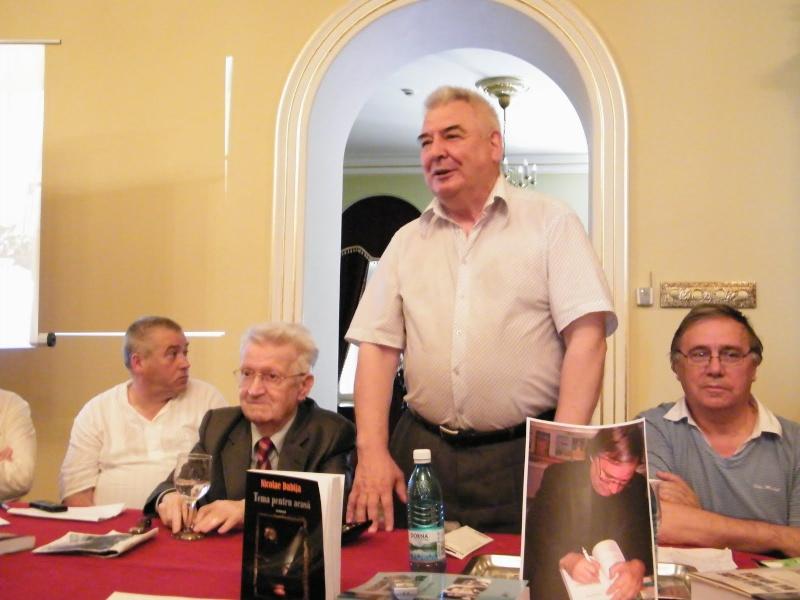 """Oameni si carti !-Societatea Culturala """"Plai Mioritic-Iasi-Chisinau-Cernauti""""-01 iulie 2010-""""Un om al cetaţii""""-Ion Ţăranu la 70 ani Clip_210"""