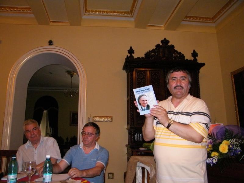 """Oameni si carti !-Societatea Culturala """"Plai Mioritic-Iasi-Chisinau-Cernauti""""-01 iulie 2010-""""Un om al cetaţii""""-Ion Ţăranu la 70 ani Clip_310"""