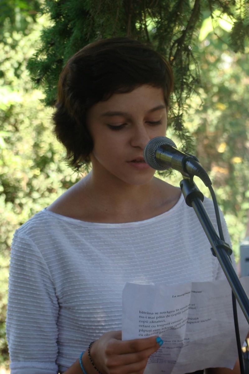 """Lansare de cărţi: """"La marginea tăcerii"""", de Dorina Neculce, """"Vade Mecum"""", Antologie versuri. Şase poeţi contemporani. """"Contraria"""",Rameel şi Dorina Neculce Lansar84"""