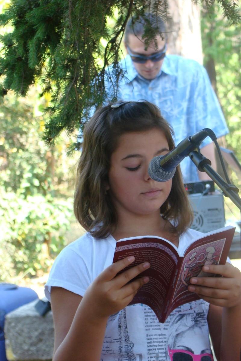 """Lansare de cărţi: """"La marginea tăcerii"""", de Dorina Neculce, """"Vade Mecum"""", Antologie versuri. Şase poeţi contemporani. """"Contraria"""",Rameel şi Dorina Neculce Lansar86"""