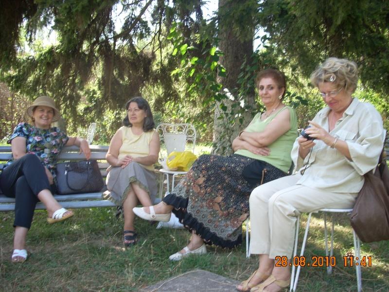 Picnic cultural-28 august 2010-azi ne reamintim  de Arghezi si Cosbuc  Picnic17